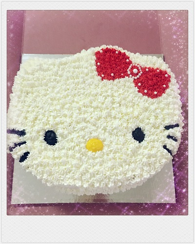 Custom Cake: Hello Kitty