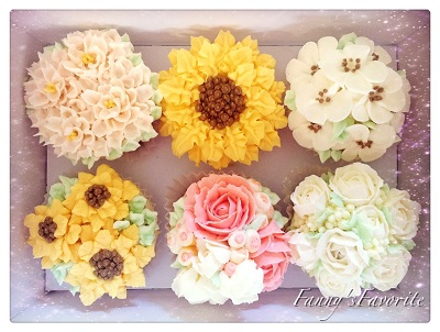 Cupcake: Flower – Deluxe (Buttercream)
