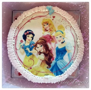 Custom Cake: Princesses